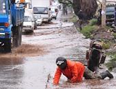 بالصور.. الأمطار الغزيرة تشرد مئات الأشخاص فى العاصمة الكينية نيروبى