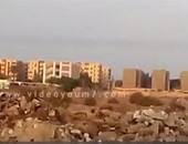 صحافة المواطن.. بالفيديو.. مخلفات المبانى تزين مدخل قرية تواماس فى قنا