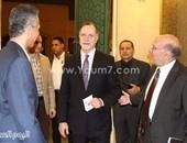 بالصور.. السفير الأمريكى بالقاهرة يحضر عرض أوبرا المتروبوليتان