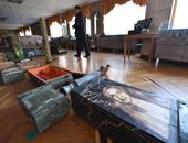 بالصور.. الفن فى مواجهة الحرب.. فنانو أوكرانيا يرسمون على مخلفات الحروب