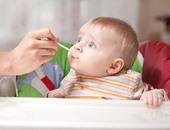 بعد 6 شهور من عمر طفلك.. تجنبى المقليات والكافيين والوجبات السريعة