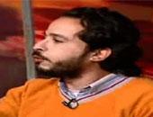 """محامى """"خالد السيد"""": سلطات المطار أخبرتنا أن الأمن الوطنى يحقق معه"""