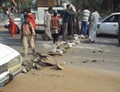 الإخوان يقطعون شارع أحمد عصمت بعين شمس بإطارات السيارات لمواجهة الأمن