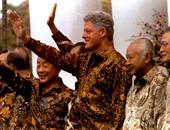 الدبلوماسية مضحكة أحياناً.. رؤساء العالم مع الزى التقليدى لآسيا وأفريقيا