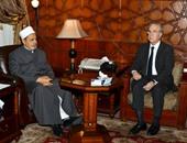 الإمام الأكبر لسفير أسبانيا: الأندلس حاضنة الفكر الإسلامى لعدة قرون