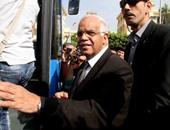 محافظ القاهرة: على المواطنين المحافظة على الأتوبيسات لأنها من فلوسهم