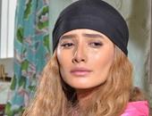 """زينة تعرب عن حزنها لوفاة إحدى معجباتها عبر """"فيس بوك"""""""