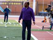 إسماعيل يوسف يستقبل مدرب الزمالك الجديد بمطار القاهرة