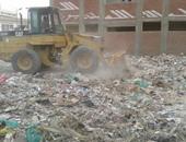 محافظ سوهاج يوجه باستمرار حملات النظافة والتجميل بالشوارع والميادين
