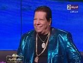 """بالفيديو.. شعبان عبد الرحيم يهدى إيمان عز الدين عقدا فى برنامج """"مفتاح الحياة"""""""