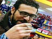 هجوم على هيثم وجيه بعد ترجمته لبوستات أجنبية.. ساخرون: حل بسيط للشهرة