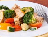 """""""الإندبندنت"""": توقيت تناول الطعام أهم من نوعيته"""