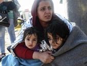 بالصور.. وصول عشرات المهاجرين إلى جزيرة ليسبوس اليونانية