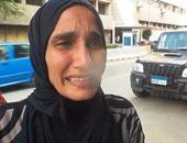 """بالفيديو..مواطنة أمام مجلس الوزراء باكية: """"عايزة 4 حيطان ألم فيهم عيالى"""""""