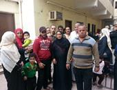 حى الخليفة يقرر نقل 11 أسرة إلى خيام الإيواء بعد انهيار منزلهم بالقلعة