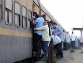 """خروج قطار """"طنطا - القاهرة"""" عن القضبان بمحطة شبين الكوم القديمة فى المنوفية"""