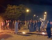 """أهالى قرية بالشرقية يقطعون الطريق بعد حريق """"الجن"""" لمنازلهم"""