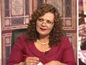 """انقسام فى القناة """"الثالثة"""" بعد وقف المذيعة عزة الحناوى"""