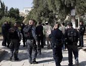 احتفالات صاخبة لمستوطنين يهود بساحات الحرم الإبراهيمى وسط حراسة الاحتلال