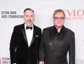 "بالصور.. أليك بالدوين وووبى جولدبرج يحضران حفل ""Elton John AIDS"""