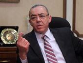 مصادر: وزير الطيران خارج دائرة التعديل الوزارى.. ويباشر عمله من مكتبه اليوم