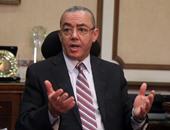 حسام كمال يطالب العاملين بالطيران المدنى بالوقوف مع الوزير الجديد
