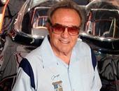 """بالصور.. وفاة مصمم سيارة """"باتمان"""" جورج باريس عن 89 عاما"""