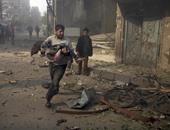 غارات جوية تضرب مخيمين للنازحين فى سوريا