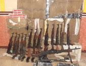 ضبط سيارة نقل محملة بصناديق ذخيرة ورشاشات ذخيرة جنوب الشيخ زويد