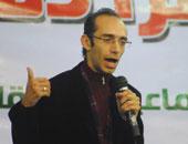 """محمد عبد العزيز: """"الرئاسة"""" أبلغتنى بجدية التعامل مع ملف الشباب المحبوسين"""
