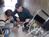 بالصور.. 5 شباب فى منشية القناطر يعيدون إحياء المستشفى العام بالمنطقة