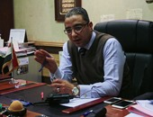 رئيس هيئة الإسعاف يُكرم مسعفيين سلموا 40 ألف جنيه لأسرة مصاب فى حادث