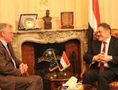 سفير الاتحاد الأوروبى يزور حزب الوفد ويلتقى السيد البدوى