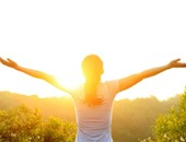 التعرض للشمس وارتداء ملابس غير مريحة يسببان الإصابة بالبثور والدمامل
