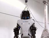 """""""الإطفاء"""" الكويتية تشهد تجربة حية قبل مشاركة الروبوت الآلى فى بعض الحوادث"""