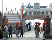 باكستان تدرس تطرد دبلوماسيين هنديين لتجسسهما عليها