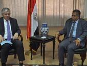 وزير الآثار يلتقى السفير الفرنسى للحد من الإتجار بالمقتنيات الأثرية