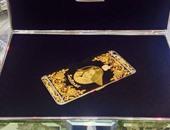"""بالصور.. هاتف """"أى فون 6 بلس"""" محفور بصورة """"صافيناز"""" من الذهب والماس"""