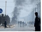 الرئيس الأفغانى يمنح جنديا تصدى لهجوم البرلمان مفتاح منزل جديد