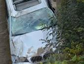 سيارة ملاكى تصطدم بمحل للأدوات الرياضية بدمنهور وتحطم واجهته