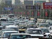زحام مرورى بسبب تصادم 3 سيارات أعلى كوبرى أكتوبر اتجاه مدينة نصر