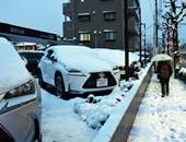 مصرع أكثر من 60 شخصا خلال محاولات تنظيف بيوتهم من الثلوج باليابان