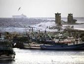 سوء الأحوال الجوية توقف رحلات الصيد في ميناء البرلس