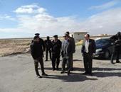 أمن مطروح يحبط تسلل 84 شخصاً بينهم 3 أجانب إلى ليبيا عبر السلوم