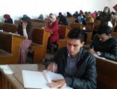 رئيس جامعة قناة السويس ونائبه يتابعان لجان الامتحانات