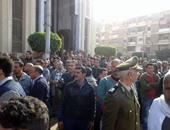 بالصور..الآلاف ينتظرون وصول جثامين شهداء العريش الخمسة بكفر الشيخ