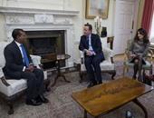 بالصور.. كاميرون يلتقى رئيس المالديف السابق  محمد نشيد ومحاميته أمل كلونى