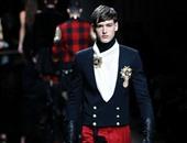 بالصور..بالمن تكتسح أسبوع الموضة الرجالى بباريس بأزياء من العصور الوسطى