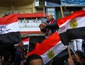 الشرطة تفرض كردونا أمنيا على المواطنين بميدان التحرير لحمايتهم