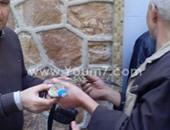 بالفيديو.. أهالى المطرية ينجحون فى اصطياد تمساح ثان بترعة الإسماعيلية